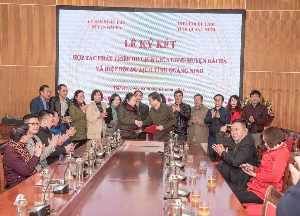 Huyện Hải Hà và Hiệp Hội du lịch tỉnh Quảng Ninh kí kết biên bản hợp tác phát triển du lịch.
